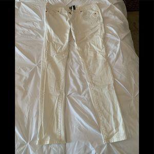 Mossimo sz 6 white skinny jeans